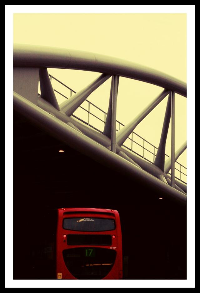Brückenmaßstäbe in London.